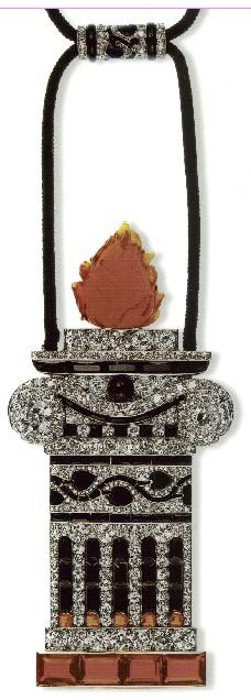 """Colgante """"Columna Griega"""" Cartier Paris, 1913 ónix, ópalo de fuego y diamantes"""