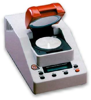 Colorimetro  DC 3000 de Sarin, empleado en nuestro laboratorio para calificar el color de los diamantes