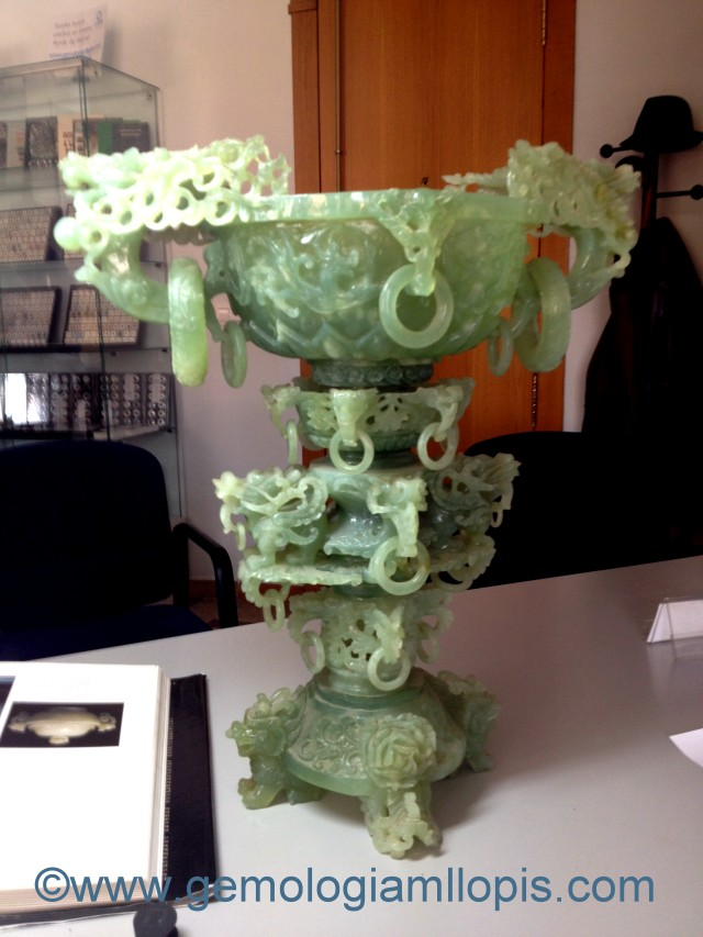 Jarrón chino en piedra mineral