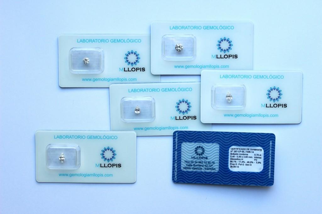 Primeros certificados de diamantes con el nuevo blister de seguridad.