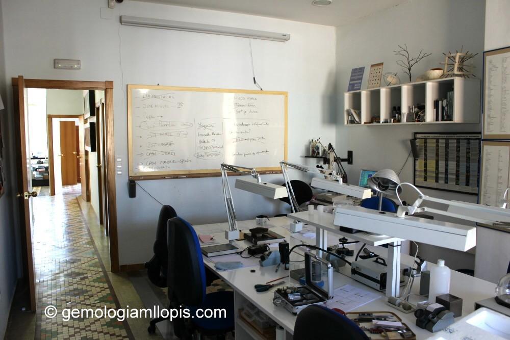 Instalaciones del Laboratorio Gemológico MLLOPIS