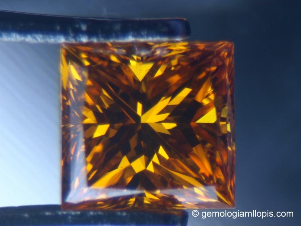 Diamante amarillo sintético