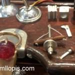 Curioso Tabliz o mesa de joyero en miniatura