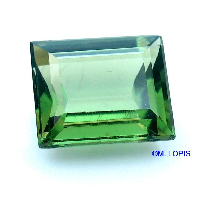 Apatito verde de talla rectangular