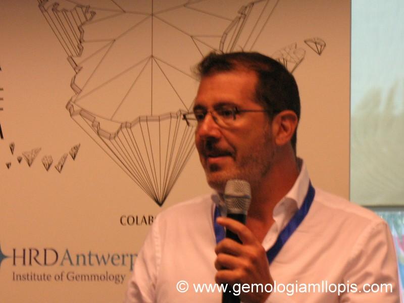 El joyero Jorge Rojas en su ponencia de Prodiam 2012