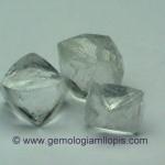 Nuevo fraude con circonitas talladas como brutos de diamante