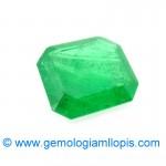 YAG vendido como esmeralda natural
