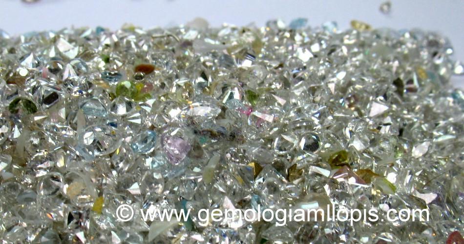 Piedras incoloras procedentes de desguace o desengastado