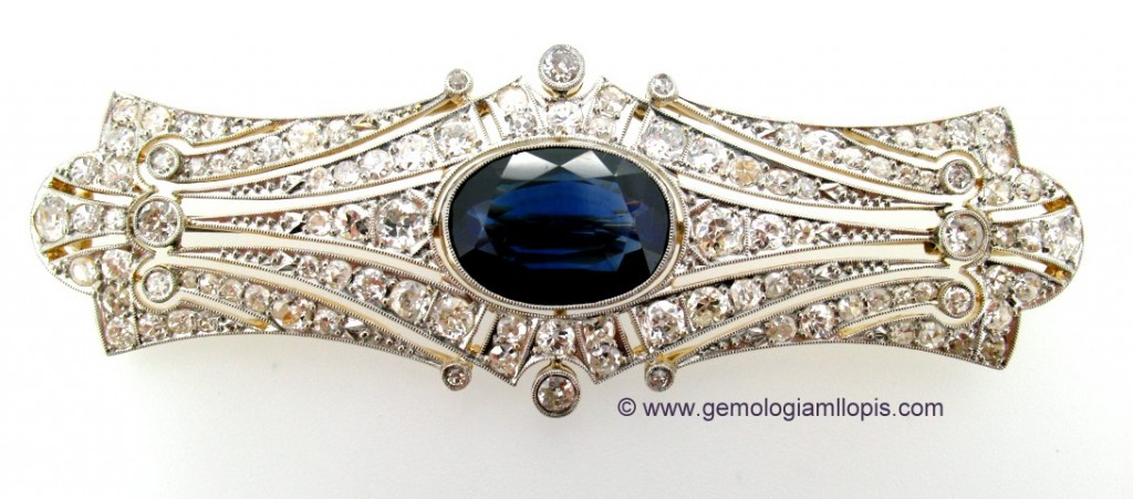Broche de zafiro con diamantes