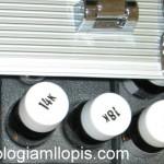 Maleta trolley con instrumentos para hacer tasaciones de joyas