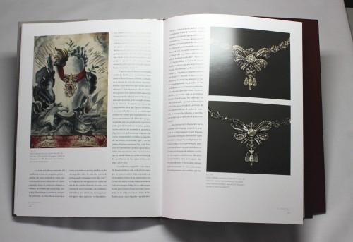 El libro contiene muchas referencias visuales.