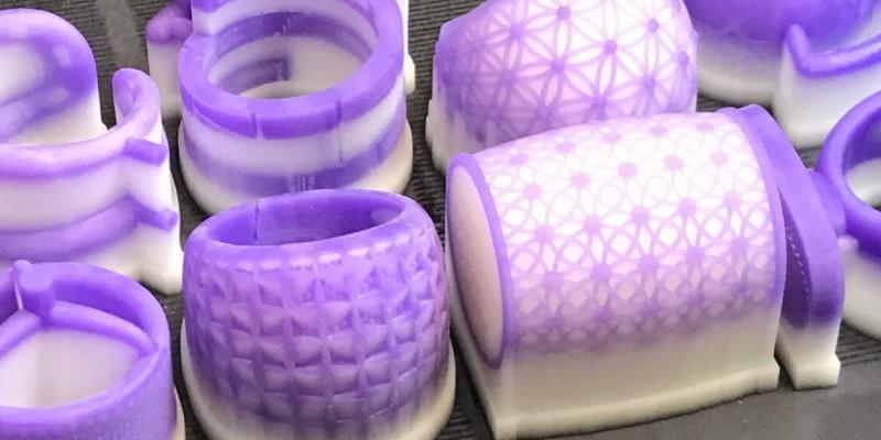 Piezas de joyeria impresas en 3D en resina